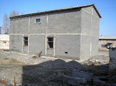 Внешний вид биогазовой установки в ОАО Ак-Куу, Кыргызстан