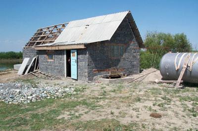 Внешний вид биогазовой установки КХ Нурданбек в Кыргызстане